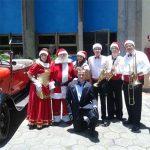Cia do Bafafá Chegada do Papai Noel - Carro Antigo